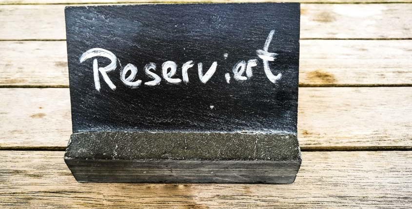 Reservierung Schild von Two for You restaurant in Idstein